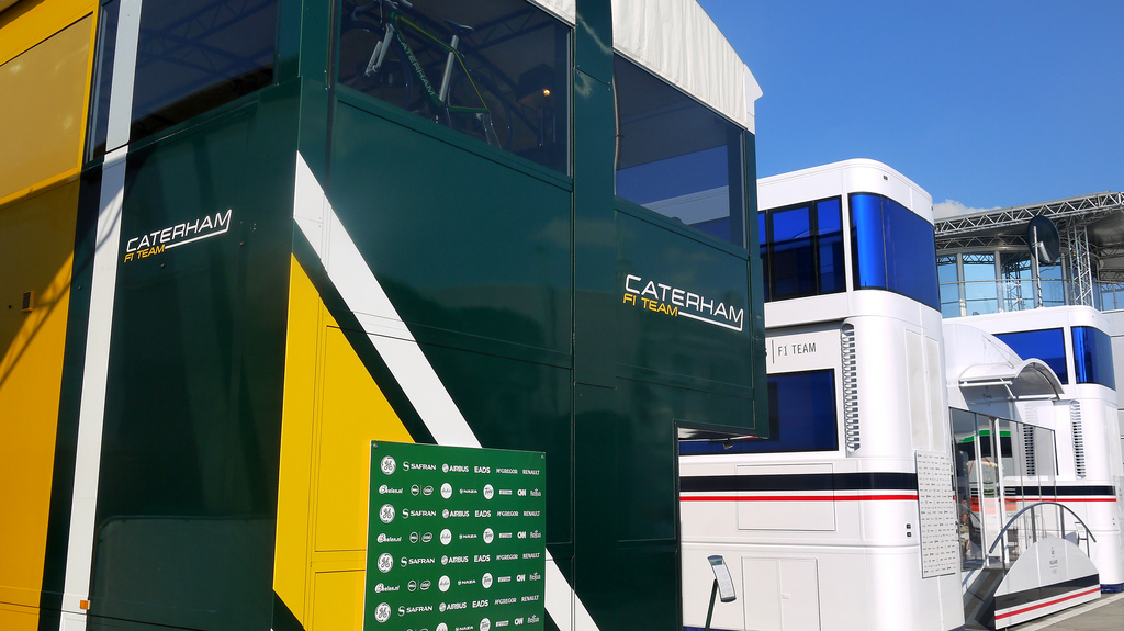 motorhome f1 photo