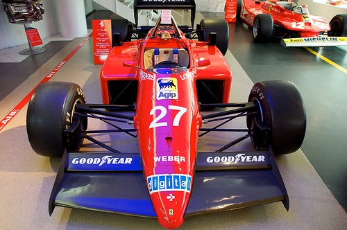 car number f1 photo